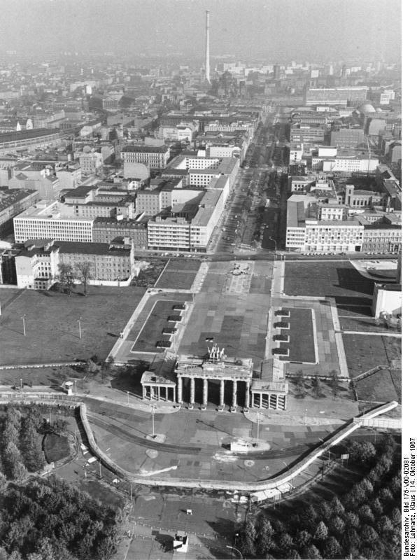 Luftbild Vom Brandenburger Tor 1967 Berlin Stadt Berlin Geschichte Brandenburger Tor