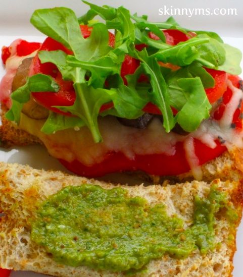 This Veggie Pesto Sandwich is SO GOOD!!  #lunch #recipes #skinnyms