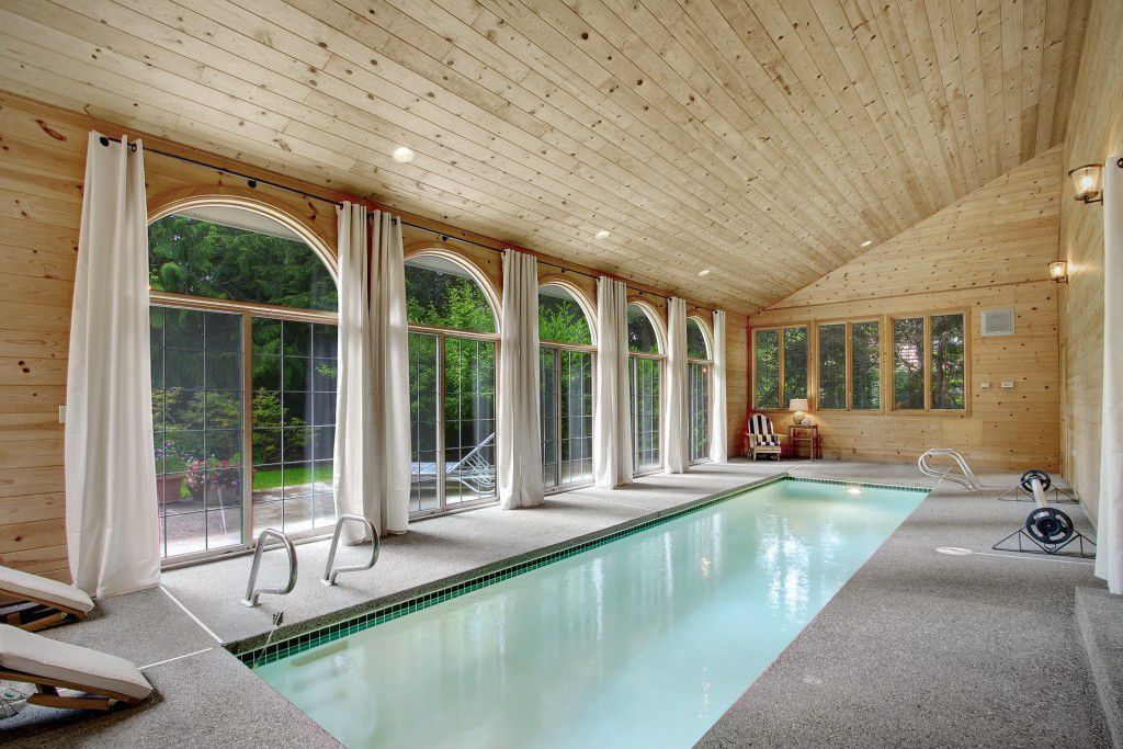 45 Screened In Covered And Indoor Pool Designs Indoor Swimming Pool Design Indoor Pool House Luxury Swimming Pools
