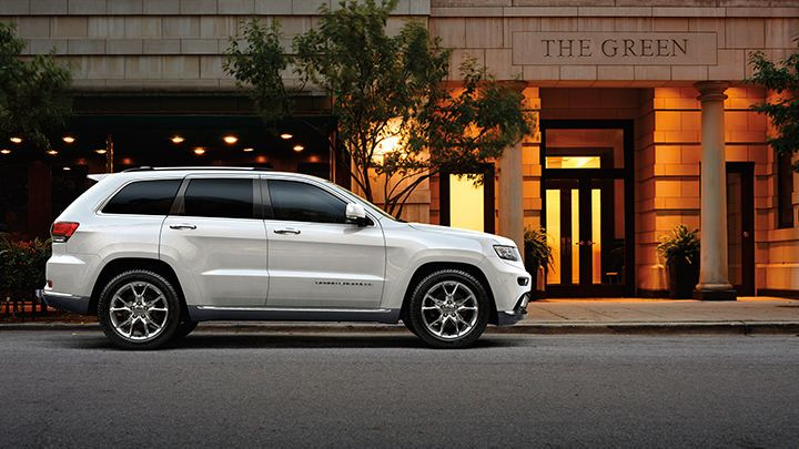 Jeep Grand Cherokee Summit Comes Standard With A Quadra Lift Air