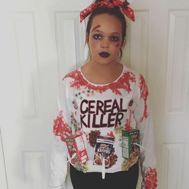 71 People Who Had The Most Genius Costumes Ever Punny Costumes Halloween Costume Puns Clever Halloween Costumes