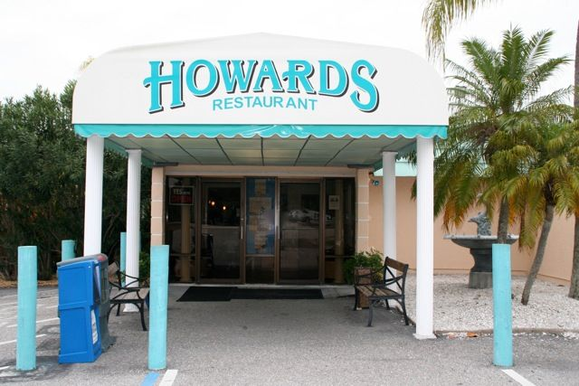 Howards Restaurant On The Water