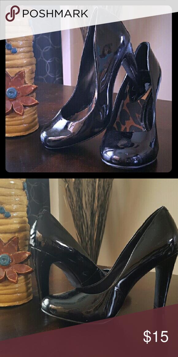 Jessica Simpson black heels Black heels by Jessica Simpson Jessica Simpson Shoes Heels
