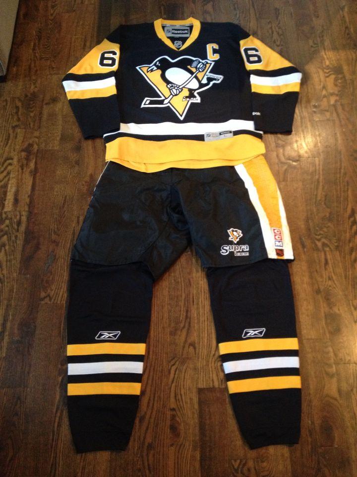 online store 5a15e 0e44e Pittsburgh Penguins third jersey, shells and socks. | Hockey ...