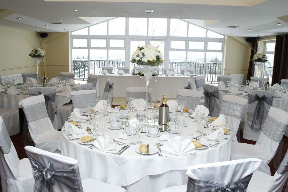 Top Meadow Golf Club And Hotel Upminster Essex Essex Wedding