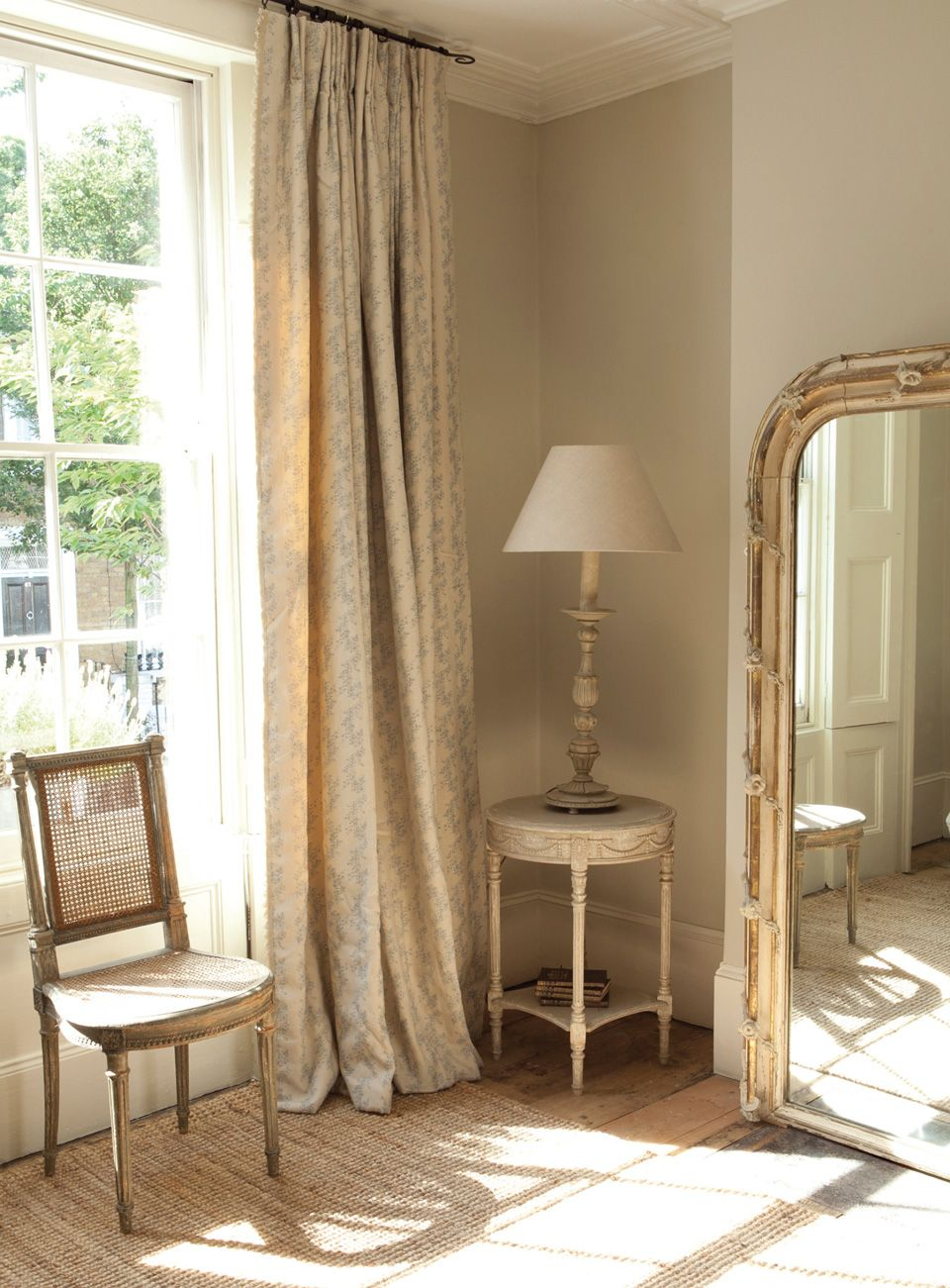5 farrow and ball shaded white kate forman says 39 this is perfect for those who love the grey. Black Bedroom Furniture Sets. Home Design Ideas