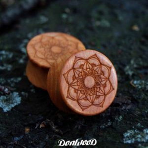 Wooden ear plug with mandala on DonWood.cz
