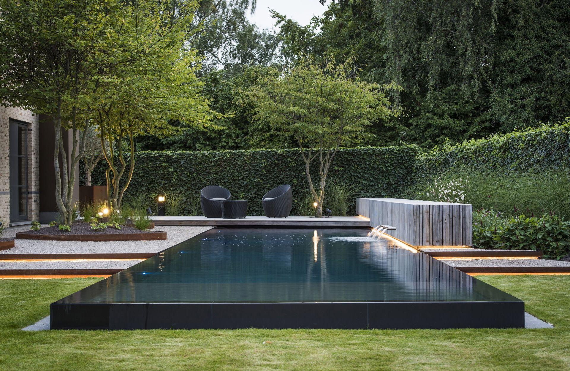 Comment aménager un bassin de jardin contemporain buiten