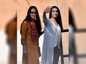 Shraddha Kapoor And Her Mother Shivangi Going To Cast Their Vote