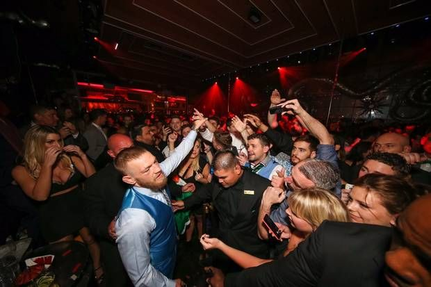 Pics Defeated Conor Mcgregor Puts On Brave Face For Fans At Las Vegas After Party Independent Ie Conor Mcgregor Las Vegas Wynn Las Vegas