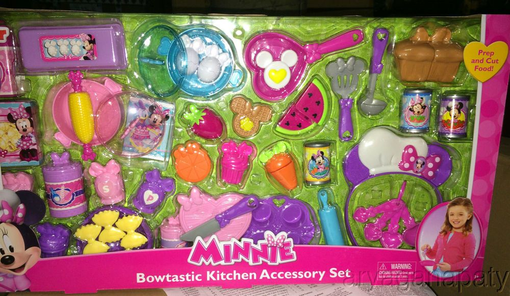 New Disney Minnie Mouse S Bowtastic Kitchen Accessory Set Play Food Utensils Minnie Mouse Toys Play Food Kitchen Accessories