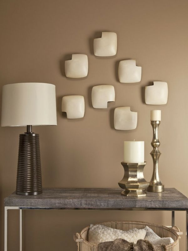 brauntöne-wandfarbe-interessante-dekoration-auf-der-wand- marmor ... - Schlafzimmer Gestalten Brauntne