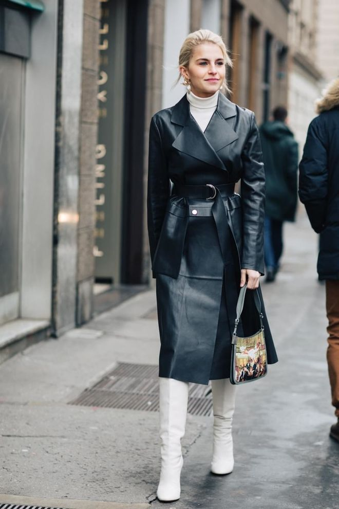 How to Wear a Trench Coat in Paris