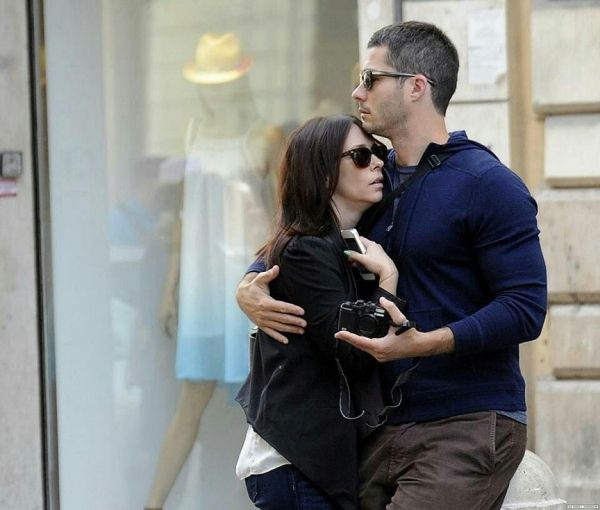 Jennifer Love Hewitt And Brian Hallisay Jennifer Love Hewitt Jennifer Love Celebrity Couples