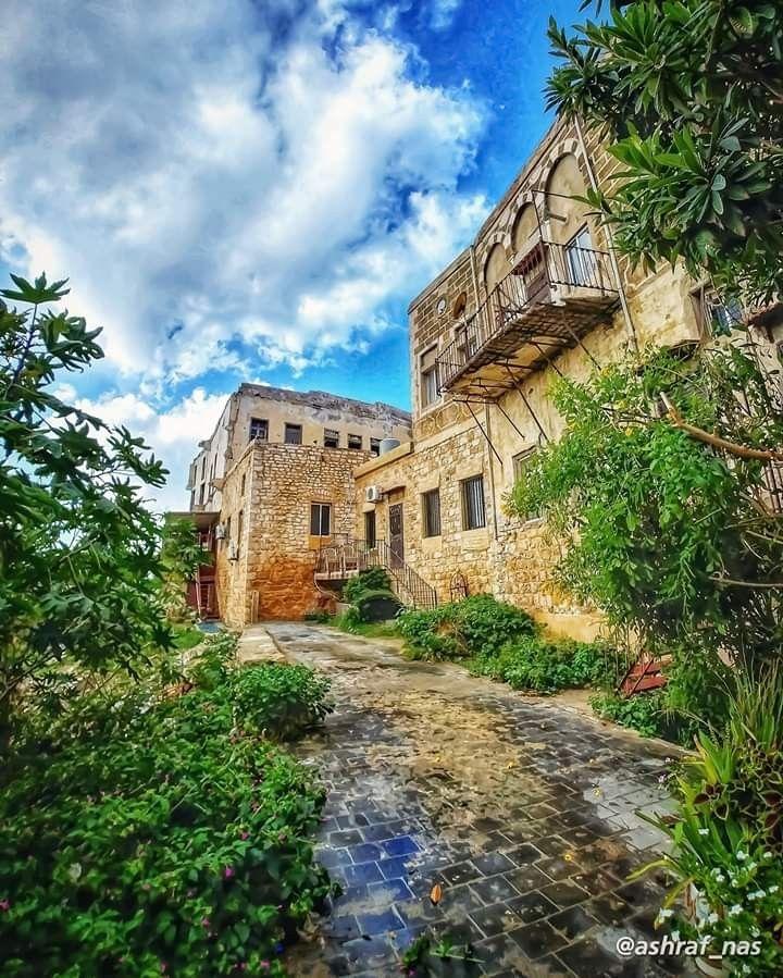 بيوت تراثية من مدينة صور جنوب لبنان House Styles Old Houses Mansions