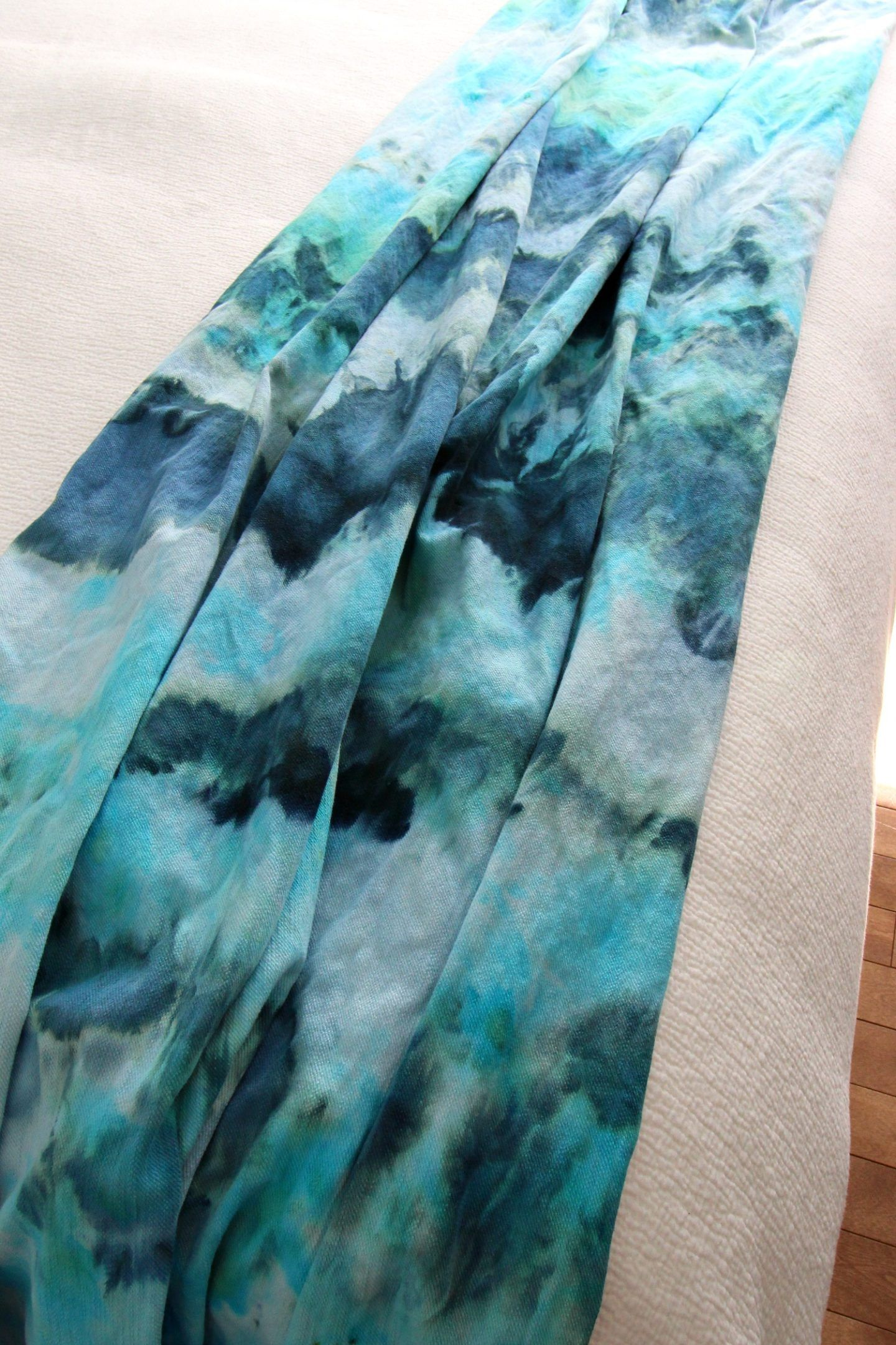 Diy Ice Dye Throw Blanket How To Dye Fabric Ice Dyeing Tie Dye