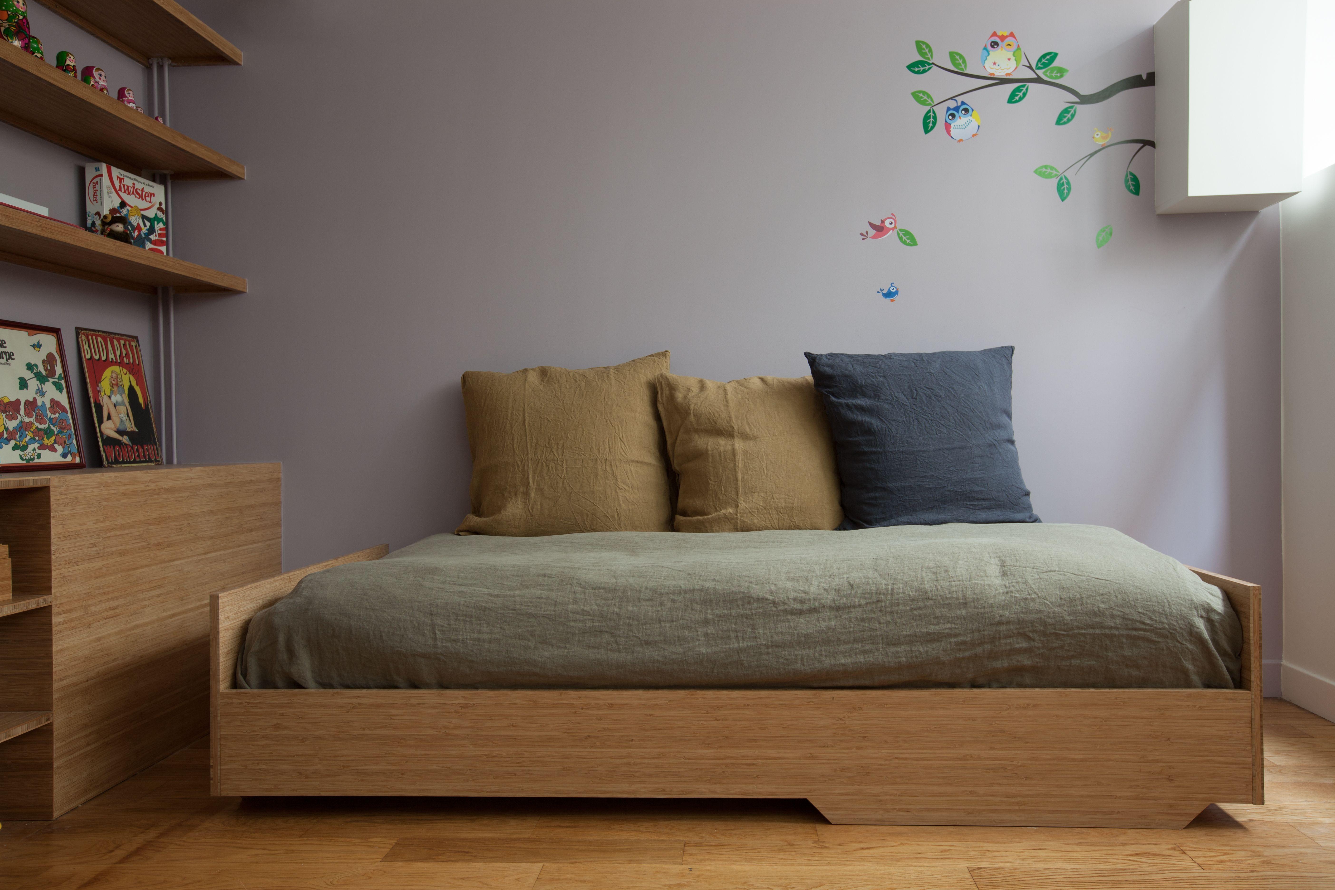 Chambre d enfant étag¨res et lit pour la chambre d une petite