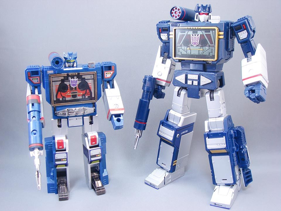 Transformers G1 and Masterpiece MP-13 Soundwave and Condor ...