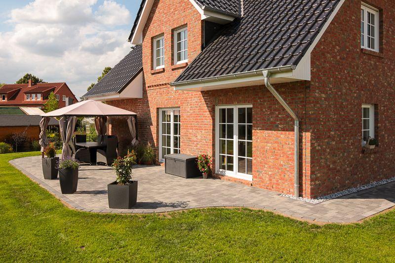 Friesenhaus mit Terrasse von ECO System HAUS   Haustyp ...