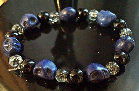 Blue skull stretch bracelet.Cool for a cop police officer great gifts for men and women