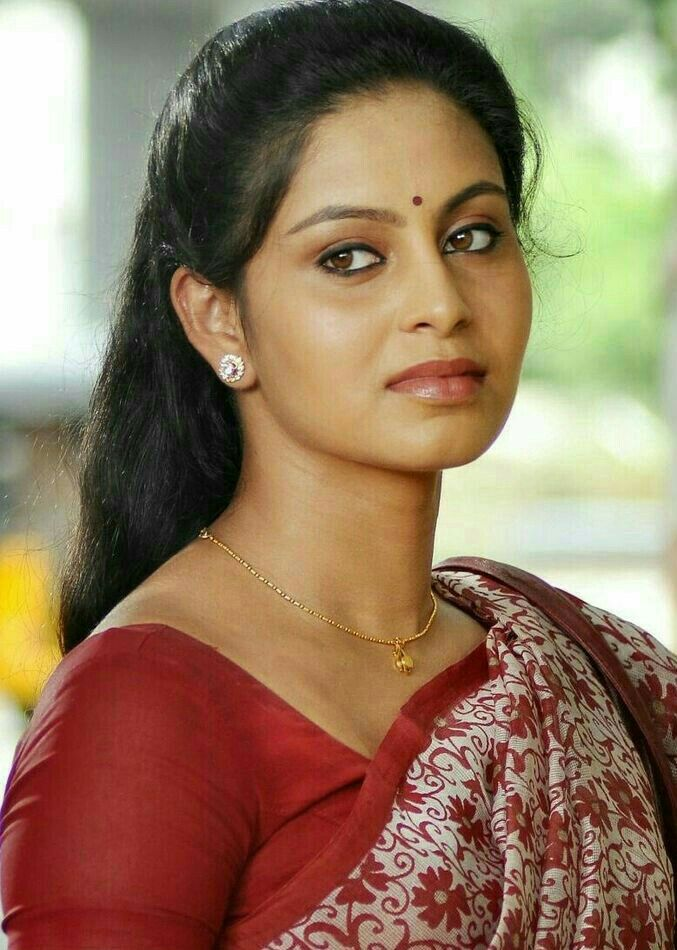 Pin by Nandlal Vishwakarma on nd | Beauty girl, Desi ...