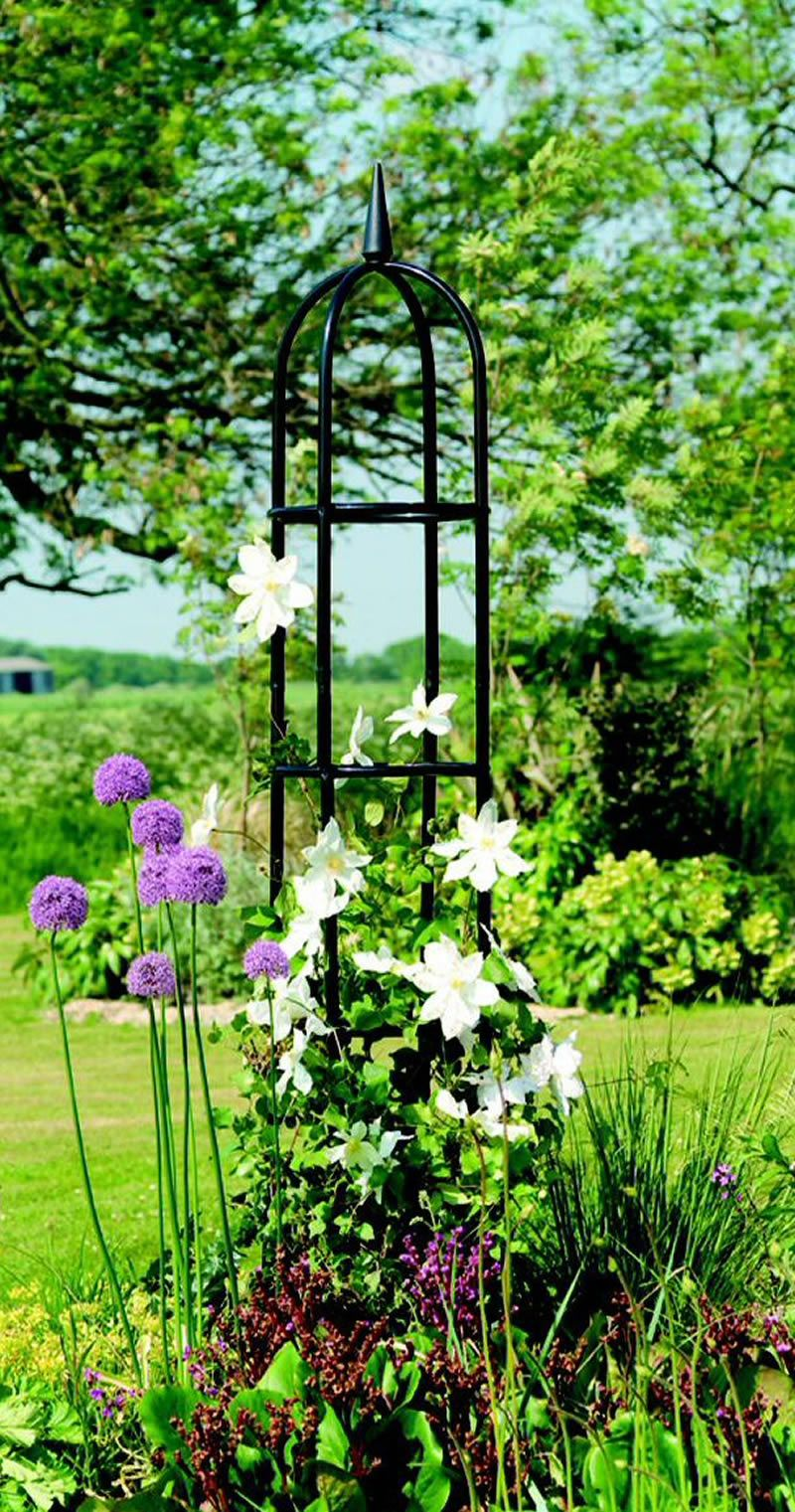 Classical Garden with trellis, white clematis and pretty