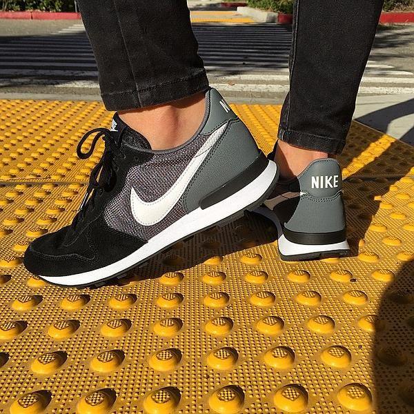 fiabilidad tetraedro Peladura  Nike 'Internationalist' Sneaker (Women) | Nordstrom | Womens sneakers,  Running shoes nike, Nike internationalist