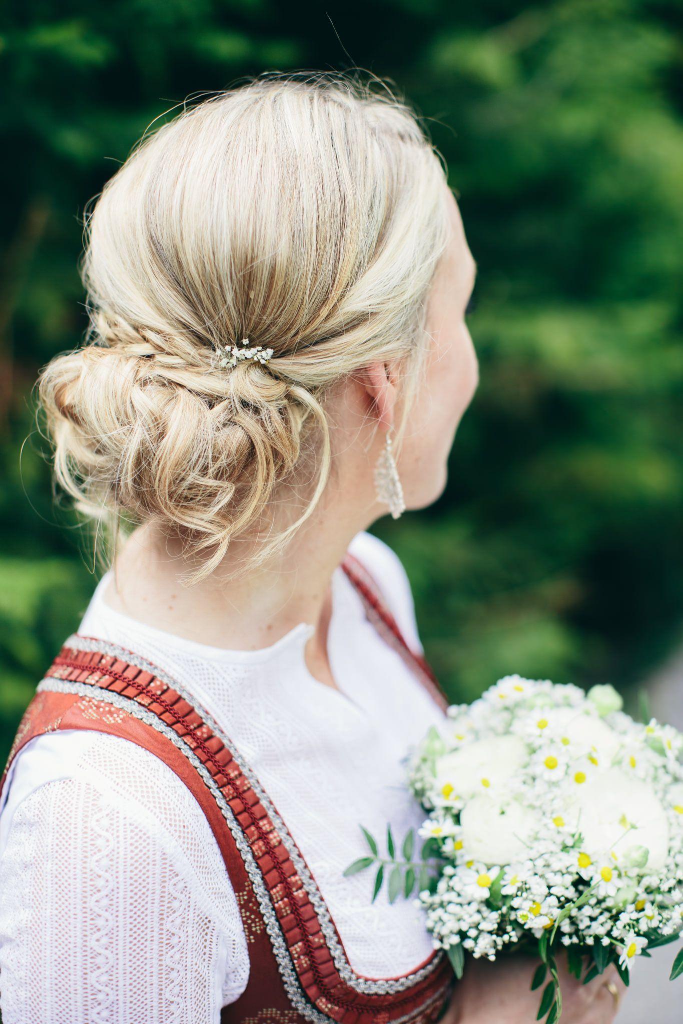 Eine Vintage Tracht Hochzeit Am Tegernsee Tracht Frisur Dirndl Hochzeit Frisuren Hochzeit