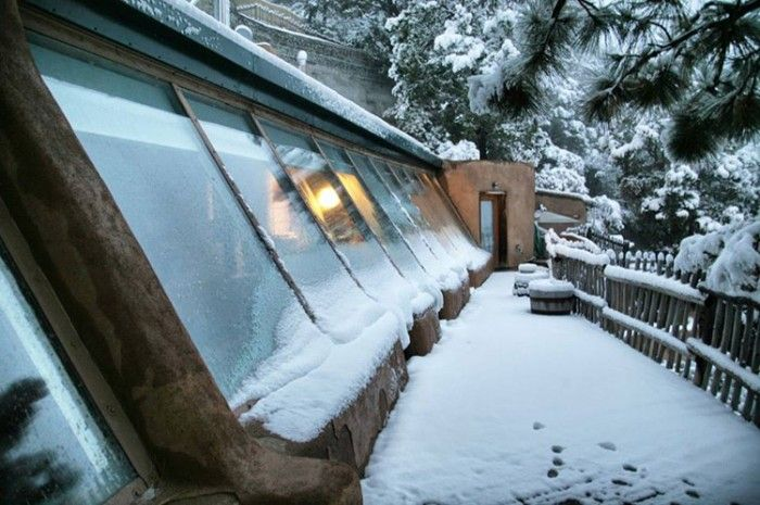 earthships-winter