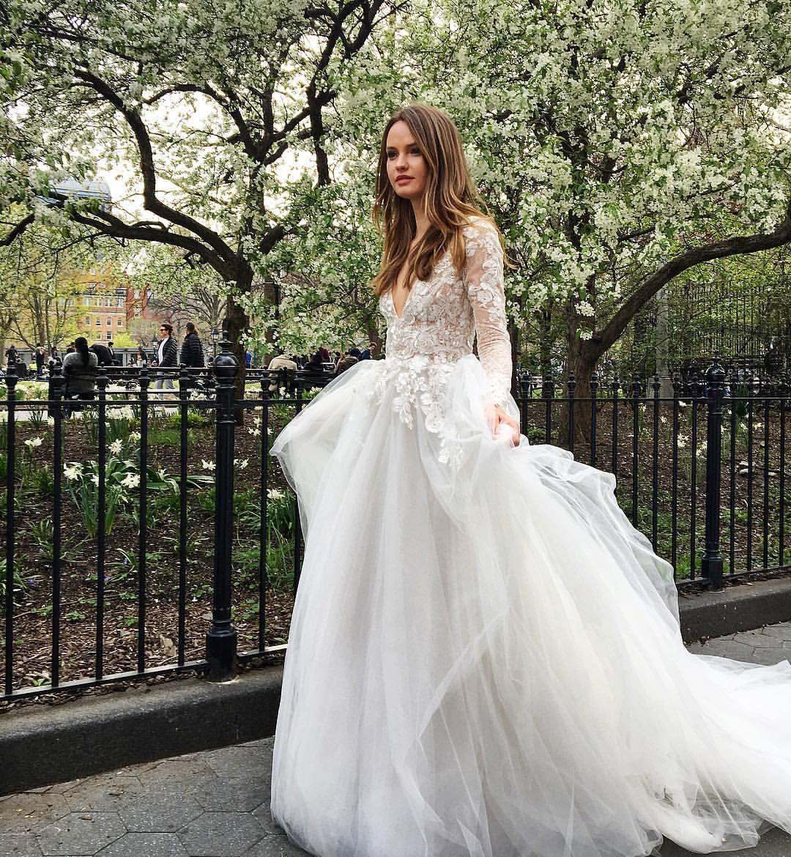 """533 Likes, 9 Comments - Monique Lhuillier Bride (@moniquelhuillierbride) on Instagram: """"Surreal Fairytale 🌸 #moniquelhuillier #mlbride #mlbliss #bridal #wedding #bts #nybw"""""""