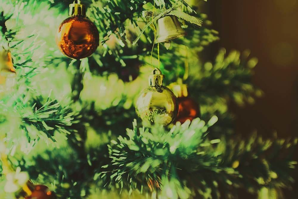 Christmas What Does The Christmas Tree Symbolize Or Represent