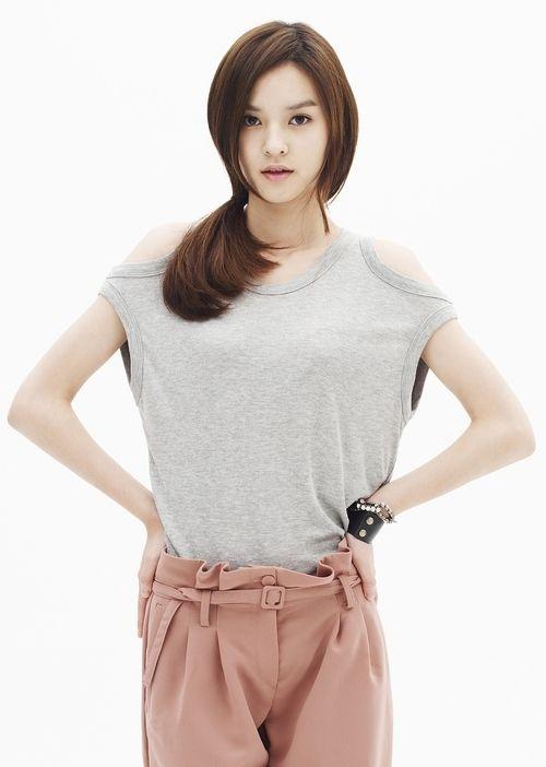 Actress Woori To Change Her Stage Name To Her Real Name Kim Yoon Hye Actresses Korean Actresses Kim