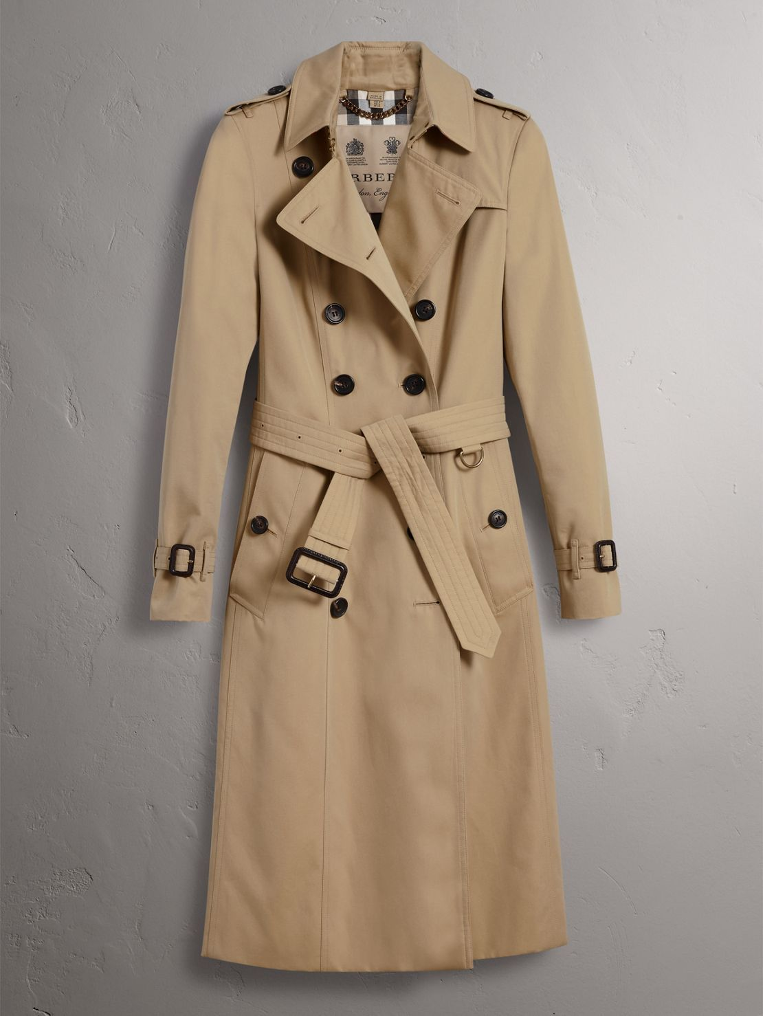 e3197b343646b The Chelsea trench coat in cotton gabardine is our slimmest fit
