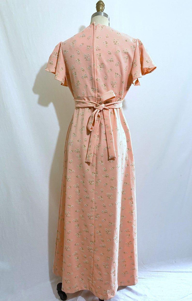 Togayther Mini Floral Dress 1970s Dress Vintage Wrap Dress Etsy 1970s Dresses Vintage Wrap Dress Vintage Dresses [ 1242 x 794 Pixel ]