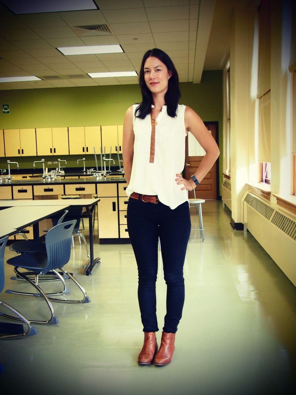 Love this top summer teacher outfits spring teacher