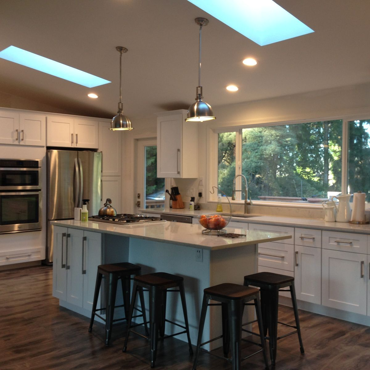 Pin by Phoenix on 23W Off white kitchens, Countertops