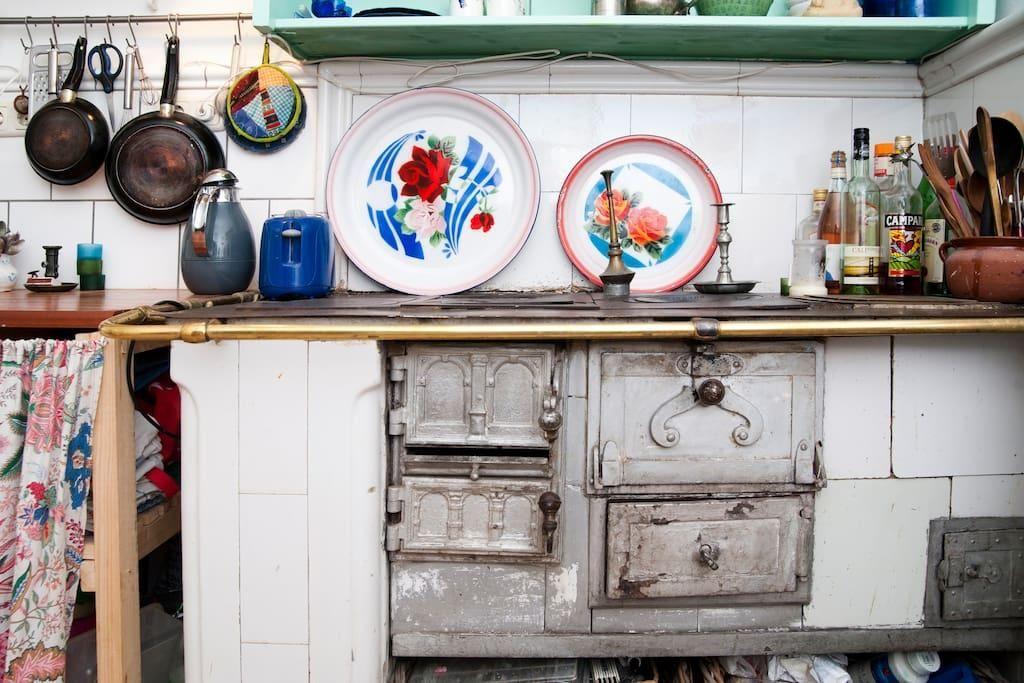 Küchenschrank Vintage ~ Charmante altbauküche. #altbau #küche #vintage küchen inspiration