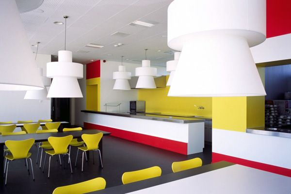Oversized lamps & primary colours