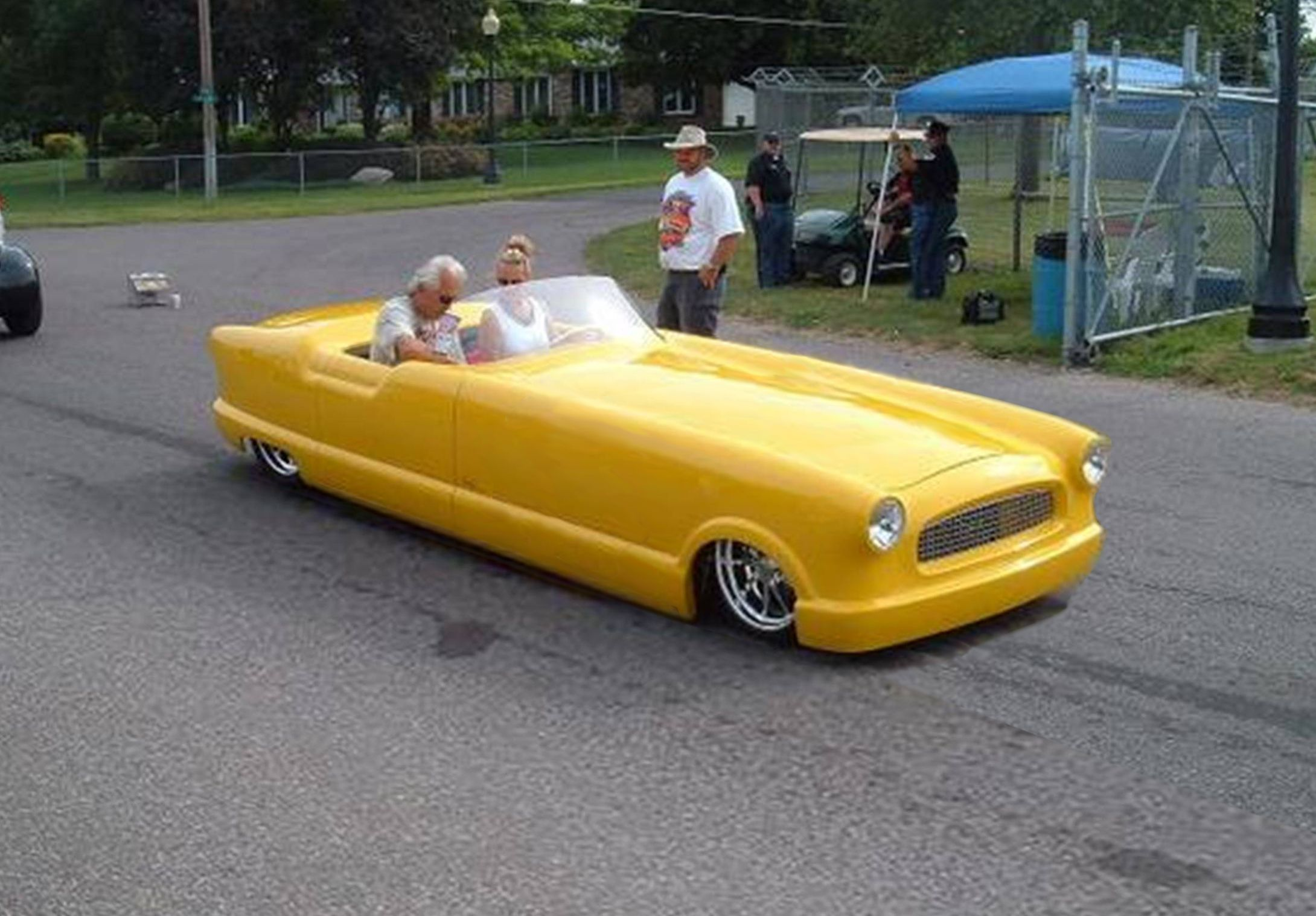 Little red wagon funny car pictures car canyon - Nash Metropolitan Jpg Cars Pinterest Cars Motor Vehicle And Dream Cars