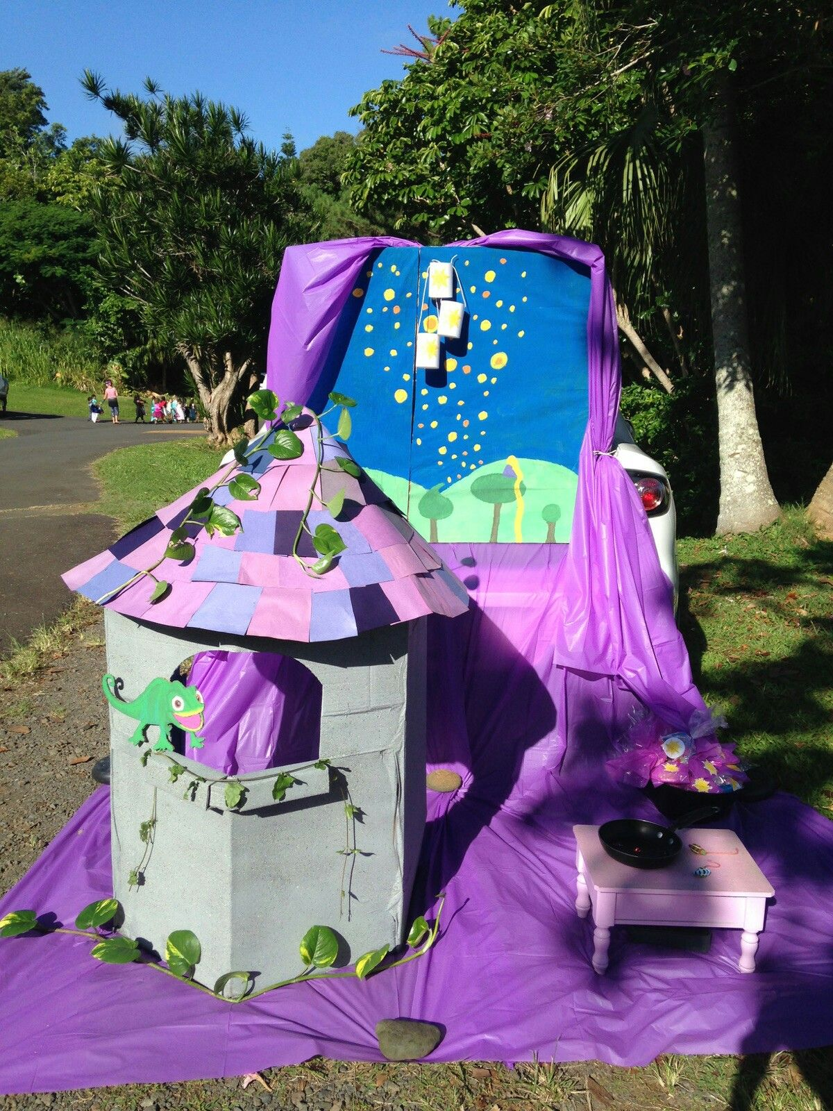 Tangled Rapunzel Inspired Trunk Or Treat My Sister Amp I