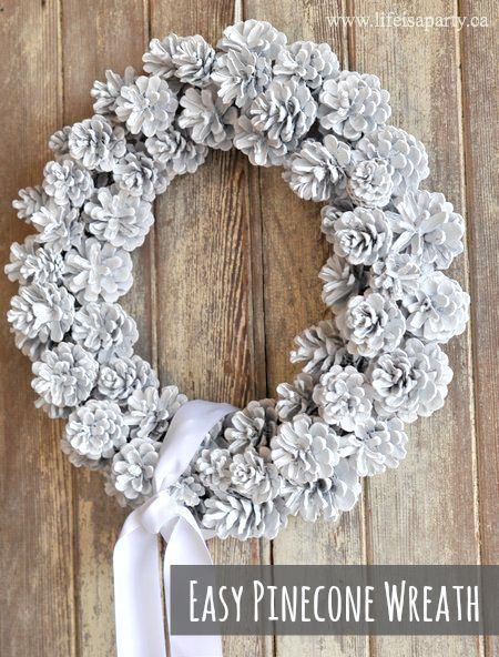 DIY Pinecone Wreath:  Easy diy pinecone wreath, great instructions -perfect for… -   23 pinecone crafts white