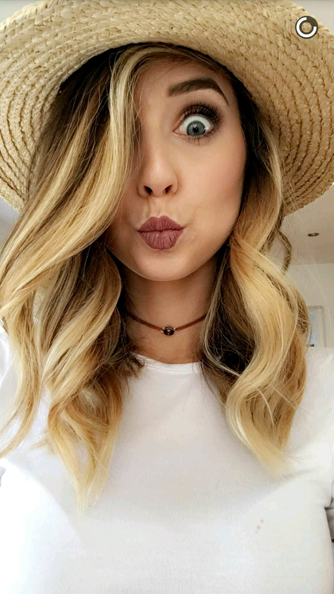 Pin by Anett on Zoe Sugg Pinterest