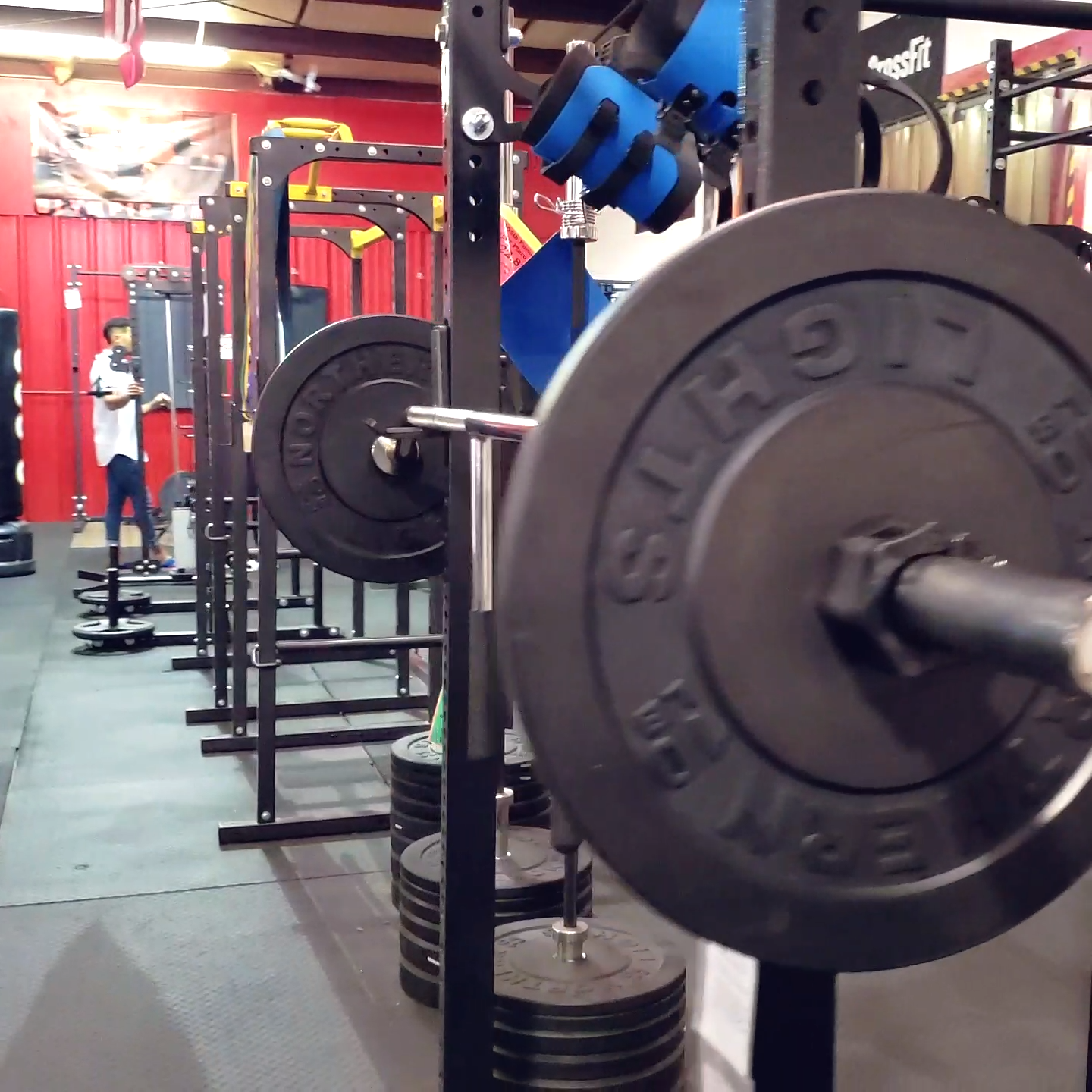 Home gym, garage gym, commercial gym, or just a set up in ...