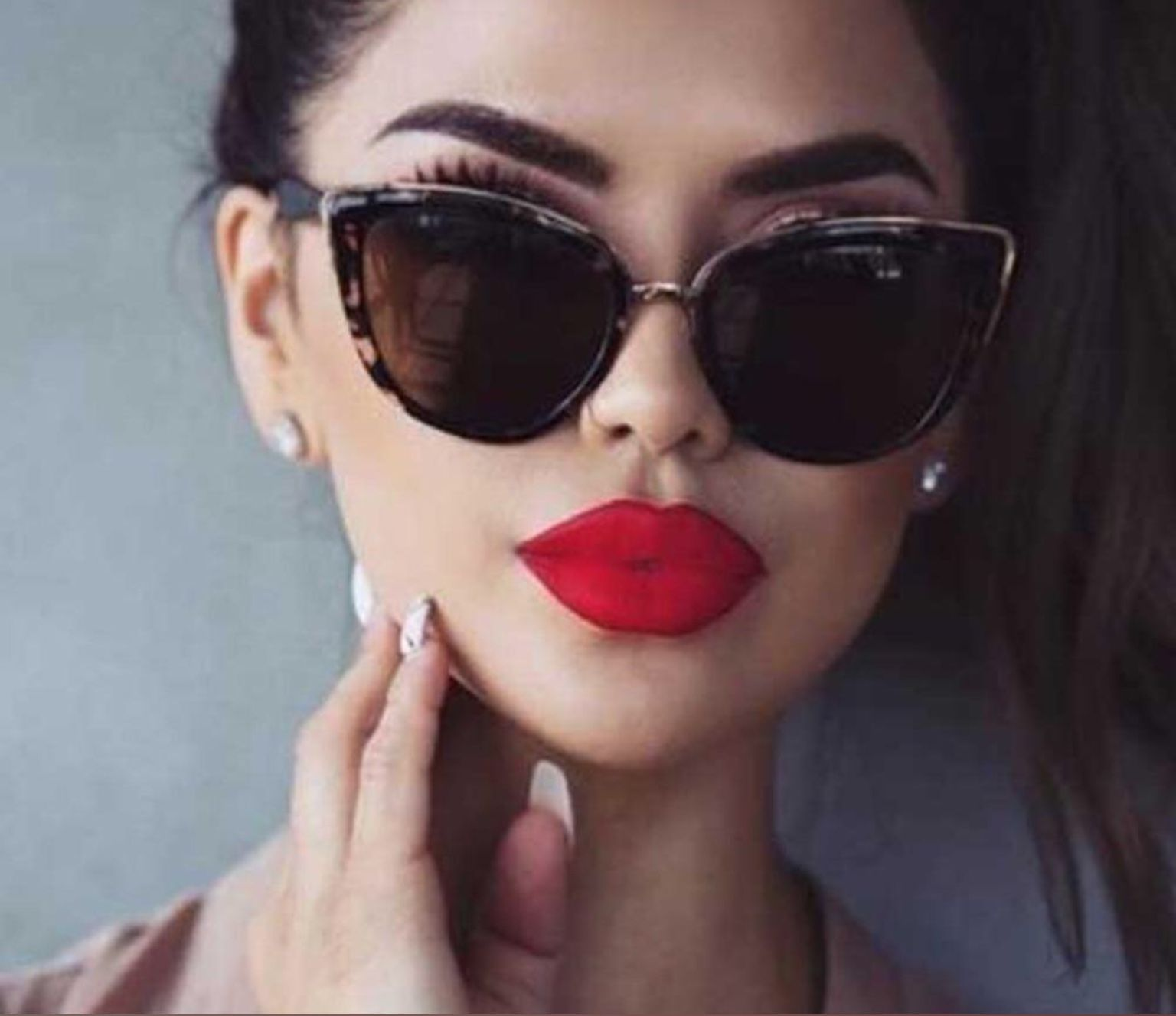 Women Cat Eye Sunglasses Vintage Fashion Style  Sunglasses Shades Red