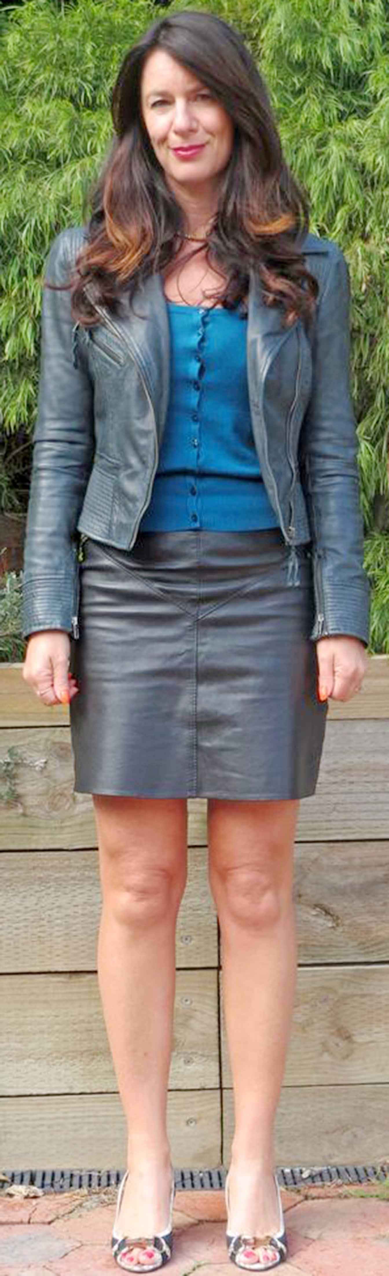 Mature Lady in Leatherskirt