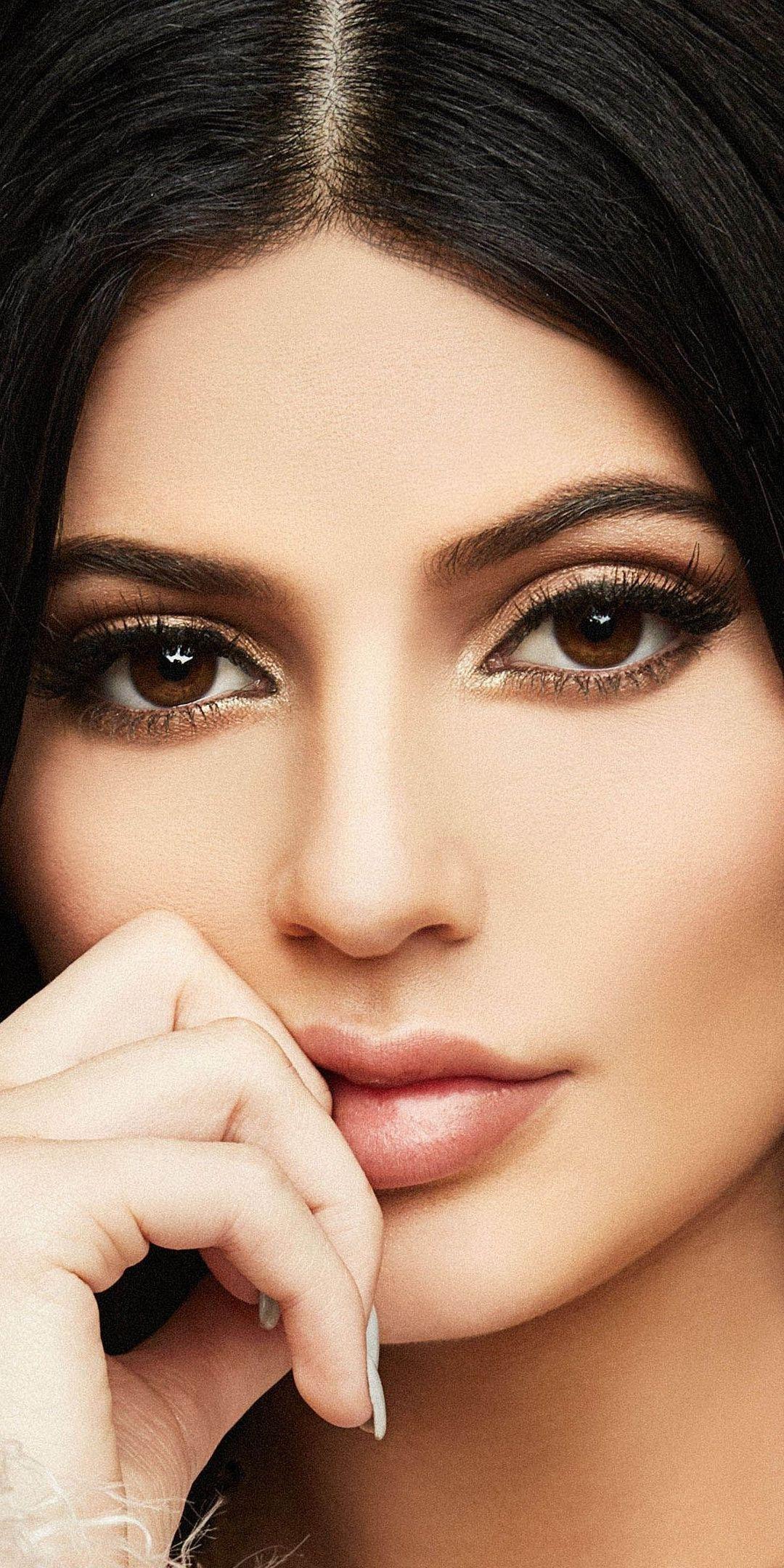 Kylie Jenner, supermodel, dark hair, beautiful, 1080x2160