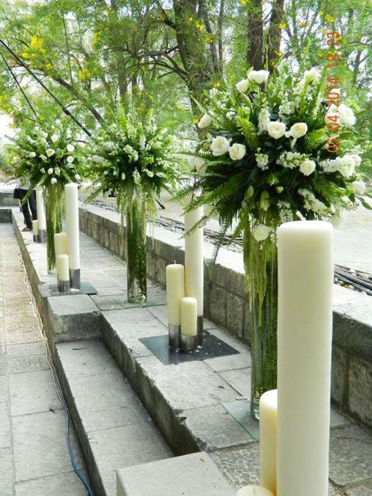 Arreglos florales altos y velas en decoración de boda Matrimonios - decorar jarrones altos