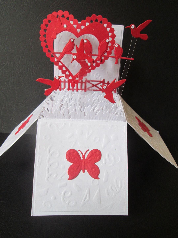 carte boite pop up explosion offrir pour un mariage cartes par les petits papiers de marie. Black Bedroom Furniture Sets. Home Design Ideas