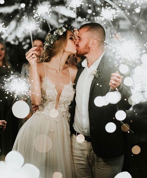 Acrylic Wedding Invitations Online Clarity Co In 2020 Wedding Themes Winter Wedding Photos Wedding Picture Poses