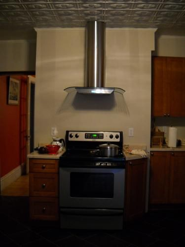 Nutone Ns5400 29 5 In Bent Glass Convertible Chimney Range Hood In Stainless Steel Hoods Convertible And Stainless Steel